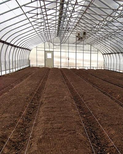 آماده سازی خاک گلخانه